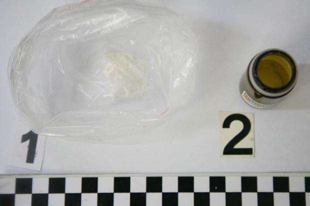 Poszukiwany przestępca wpadł z metamfetaminą
