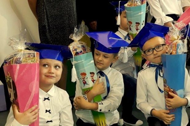 Zobaczcie jak pasowano na ucznia pierwszaczki w szkole przy Ceramicznej