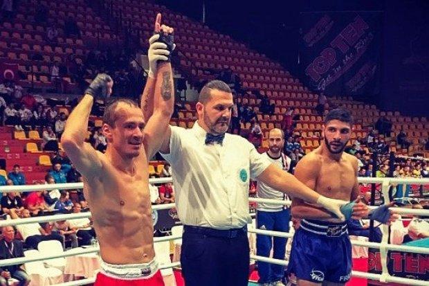 Świętoszowski pancerniak Eliasz Jankowski wicemistrzem Europy w kickboxingu