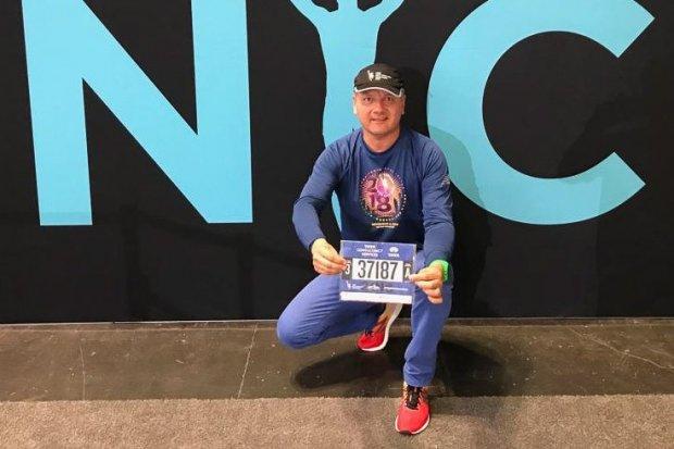 Andrzej Stefańczyk z Bolesławca biegnie w maratonie w Nowym Jorku