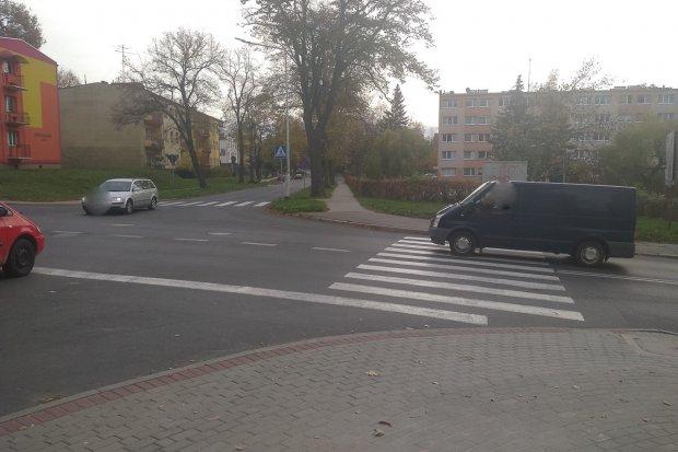 Czytelnik: Niebezpiecznie na krzyżówce Tyrankiewiczów i Podgórnej