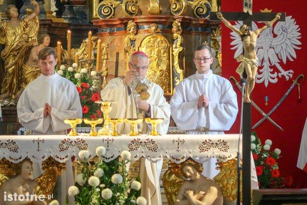 Msza w setną rocznicę odzyskania niepodległości przez Polskę