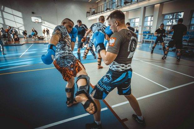 Mistrz świata w muay thai i fighter MMA w świętoszowskiej Brygadzie