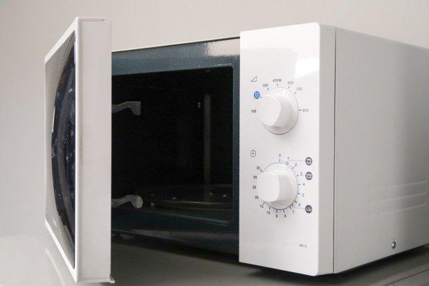 Optymalna mikrofalówka do nowoczesnej kuchni. Jak kupować?