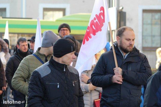 Protest przed Gerresheimerem, pracownicy chcą więcej pieniędzy