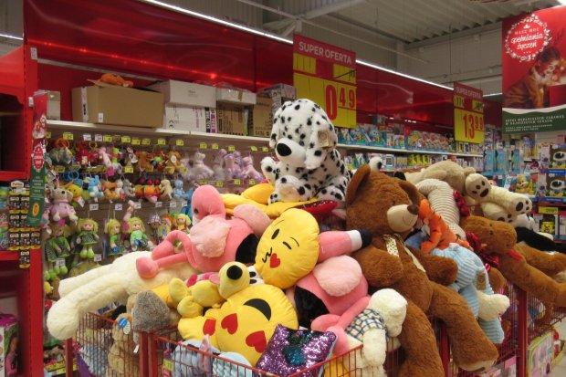 Carrefour w Bolesławcu pomaga w świątecznej zbiórce żywności