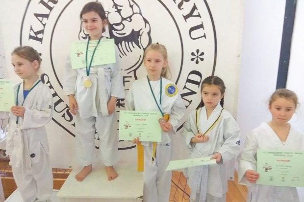 Karatecy TOP Bolesławiec z 9 medalami