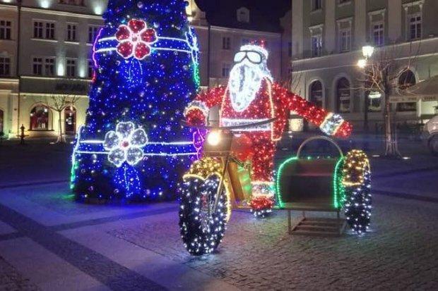 Święty Mikołaj na bolesławieckim Rynku