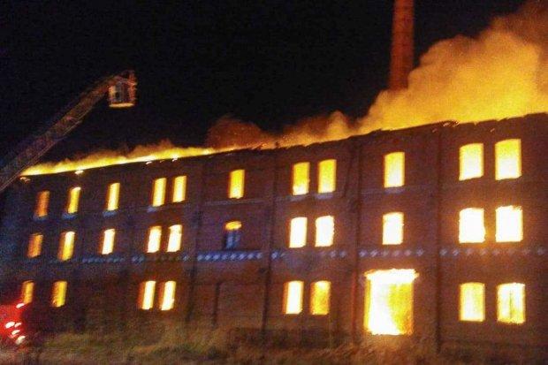 Seria podpaleń byłej klinkierni w Nowogrodźcu. Policja bada sprawę