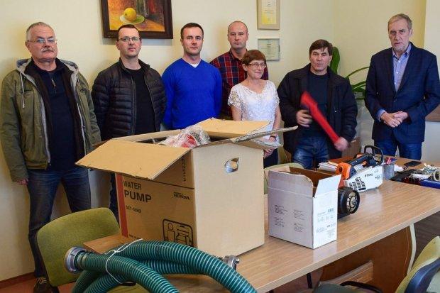 Nowy sprzęt dla strażaków z gminy Osiecznica