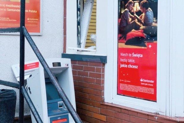 Nowogrodziec: zuchwała kradzież bankomatu Santander