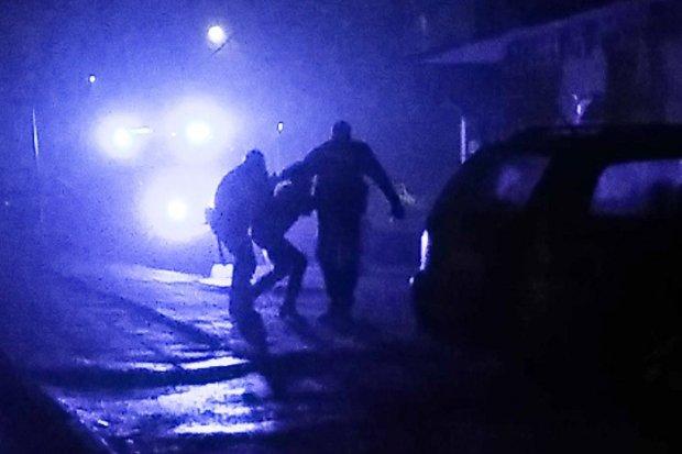 Agresywna 46-latka szarpała się z policjantami, straciła prawo jazdy