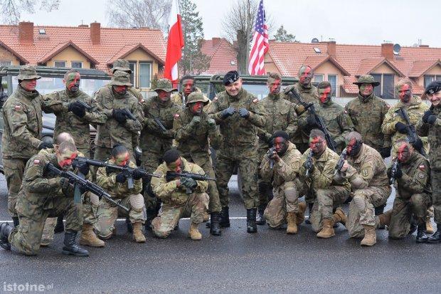 """Święto """"boga wojny"""" w Bolesławcu. Pokaz walk"""