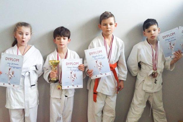 Osiem medali dla karateków TOP Bolesławiec