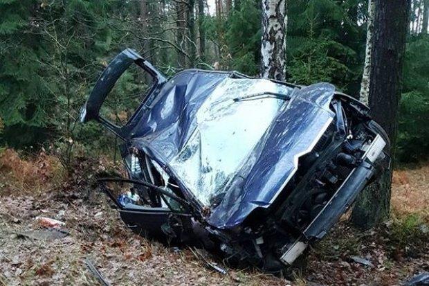 Wypadek k. Kliczkowa, dwoje 21-latków rannych