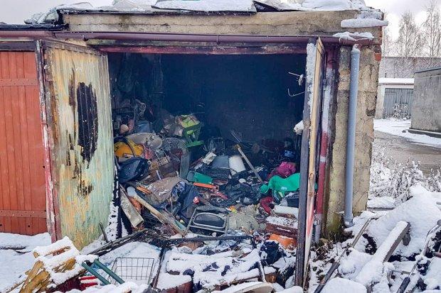 Pożar w garażu, niesamowity syf w środku