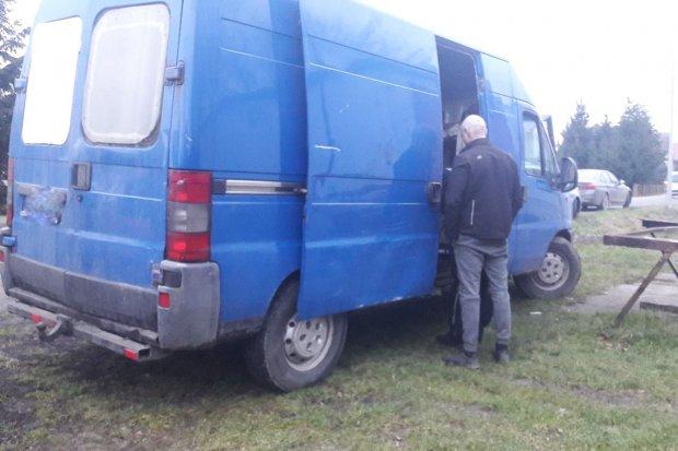 Strażacy z Nowogrodźca złapali złodziei. Podejrzani pocięli maszt