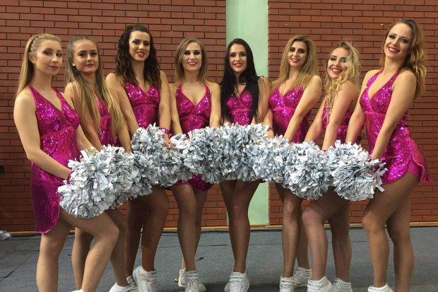 Wrocławskie cheerleaderki na nowogrodzieckim turnieju halówki