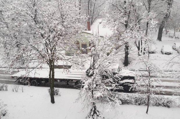 Gwałtowny atak zimy zaskoczył US Army. Z pomocą przyszła piaskarka