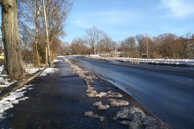 Dziękuję: chodnik na ulicy Mostowej odśnieżony