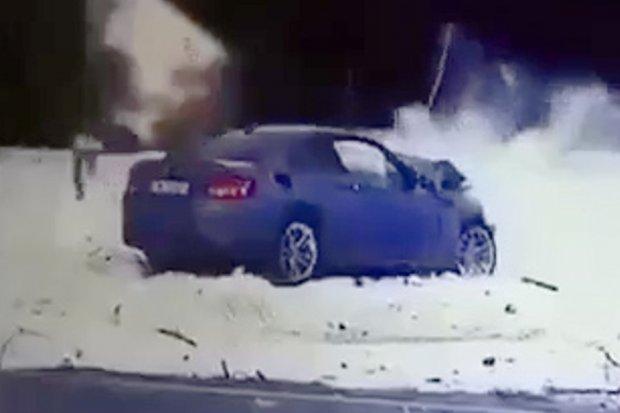 Szokujące nagranie wideo z pościgu, wypadku i ucieczki kierowcy kradzionego bmw