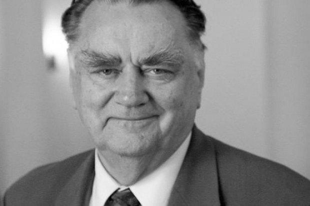 Trzydniowa żałoba narodowa po śmierci Jana Olszewskiego