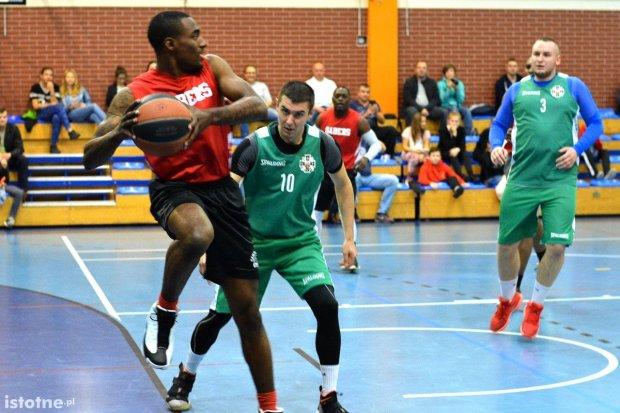 Mecze koszykówki i halowej piłki nożnej z udziałem US Army już w sobotę