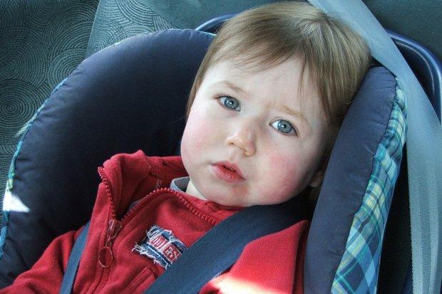 Kiedy dziecko powinno jechać w foteliku?