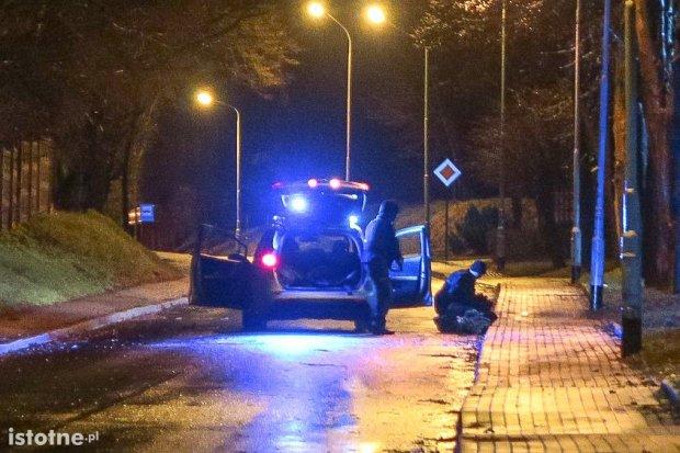 Niebezpieczni bandyci chcieli ukraść bankomat, policja złapała jednego z nich