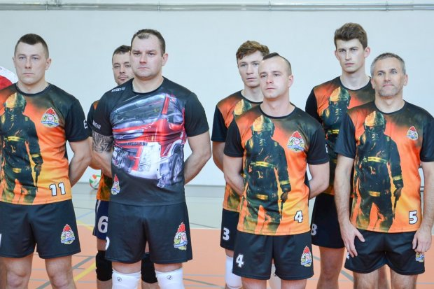 Strażackie rozgrywki siatkarskie: bolesławieccy mundurowi w półfinale