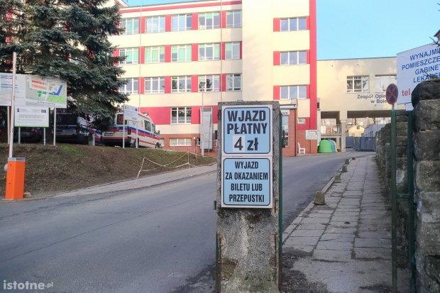 Jest problem z parkowaniem przy szpitalu powiatowym?