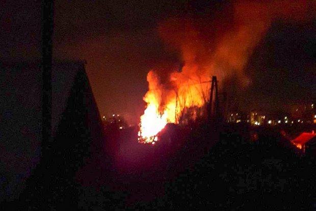 Pożar altany na Kosiby niedaleko Żabki