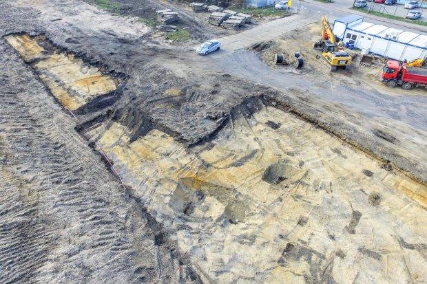 Trwa akcja usuwania niewybuchów z terenu budowy parku handlowego