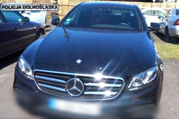 Policja: Skradziony Mercedes odzyskany, 31-letni złodziej zatrzymany