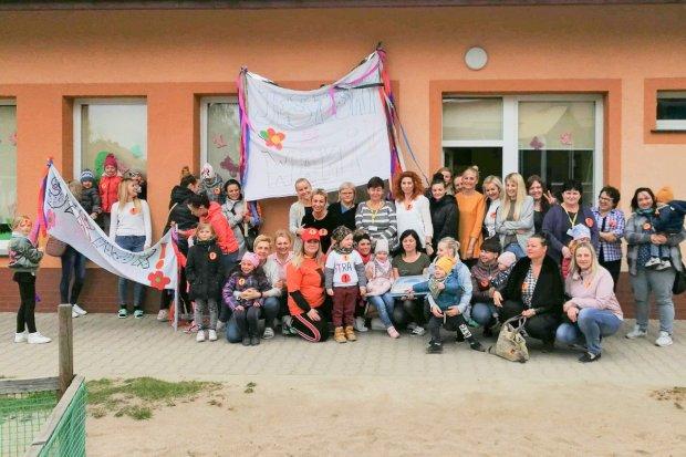 Mieszkańcy Nowogrodźca okazali solidarność ze strajkującymi nauczycielami