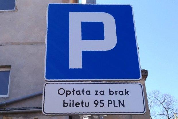 Parkometr na parkingu Lidla. Kto i kiedy zapłaci za parkowanie?