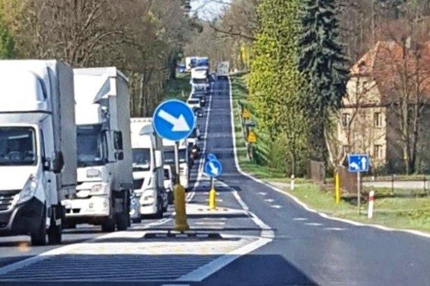 Drogowy armagedon na wjeździe do Bolesławca i na A4