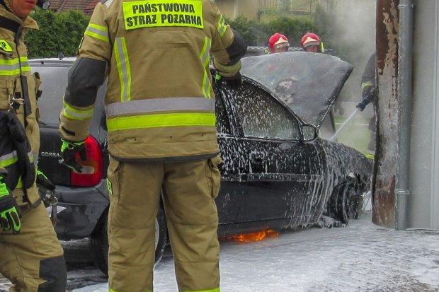 Pożar samochodu w Bolesławicach