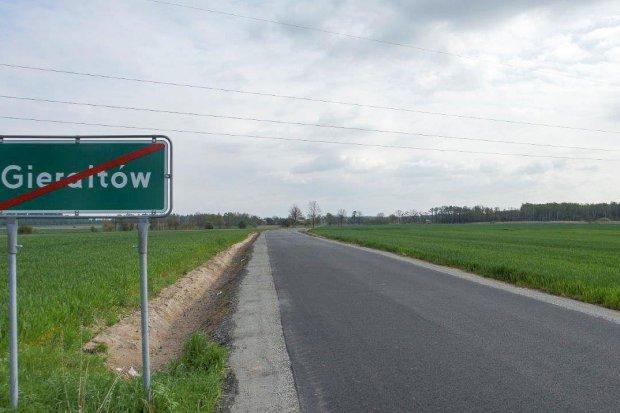 Droga między Czerną a Gierałtowem gotowa