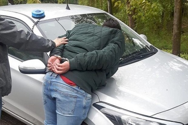 Nastolatek, który chciał oszukać seniora, aresztowany. Podawał się za adwokata