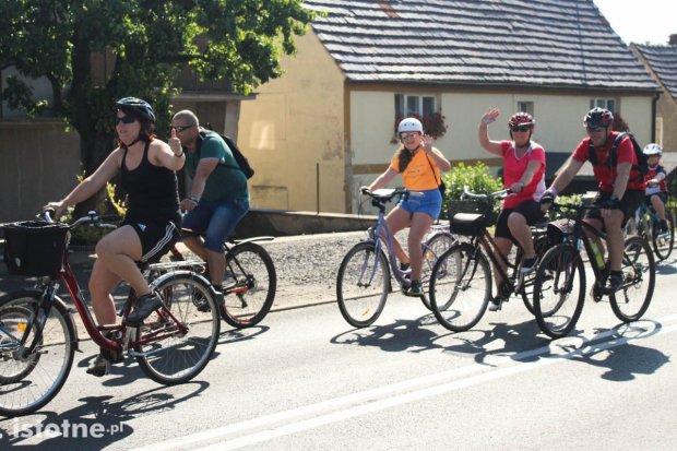 Zobacz zdjęcia z rowerowej rundki z powiatem