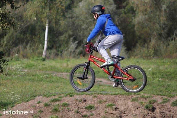 Wiadukt Plaza: jazda na deskorolce i na rowerze pod okiem instruktora