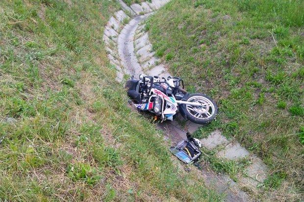 Wypadek pod Godzieszowem, ratownik ciężko ranny