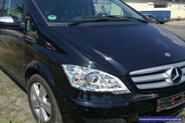 Zatrzymali 24-latka z zakazem i odzyskali kradzione auto warte ponad 85 tys. zł