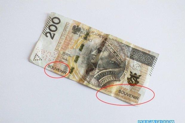 Policja: Uwaga na banknoty prezentowe