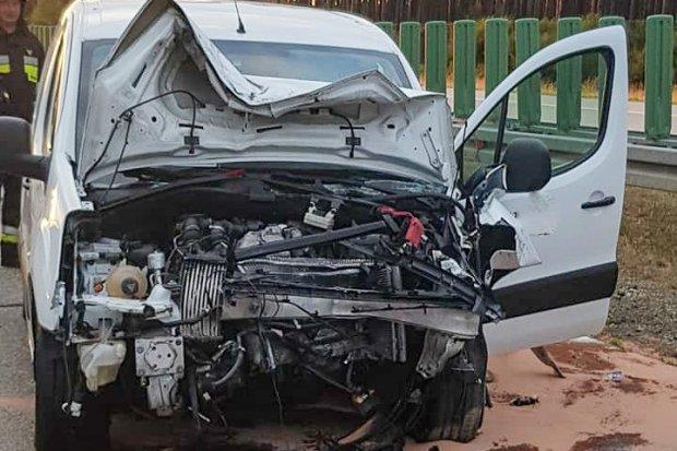 Wypadek na A18. Trzy osoby w szpitalu, 19-latka najciężej ranna