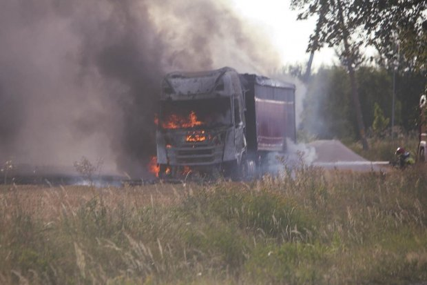 Gorący lipiec dla strażaków z naszego powiatu. Straty to ponad 700 tys. zł