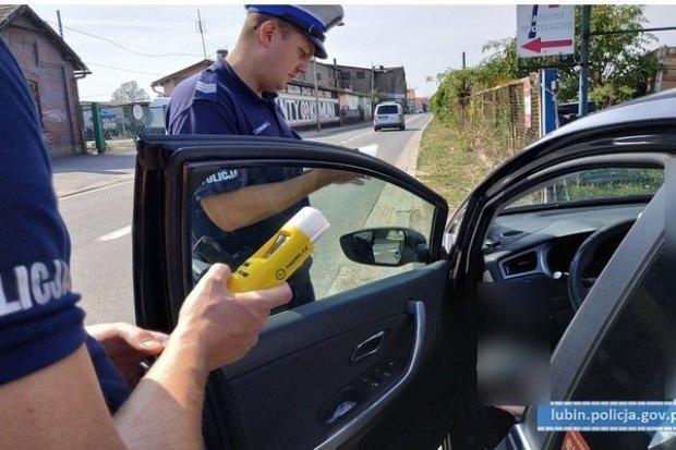 Pijany kierowca bez prawa jazdy zatrzymany. Miał blisko 3,5 promila w organizmie