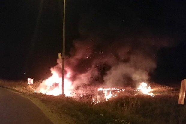 Fiat doszczętnie spłonął w Tomaszowie