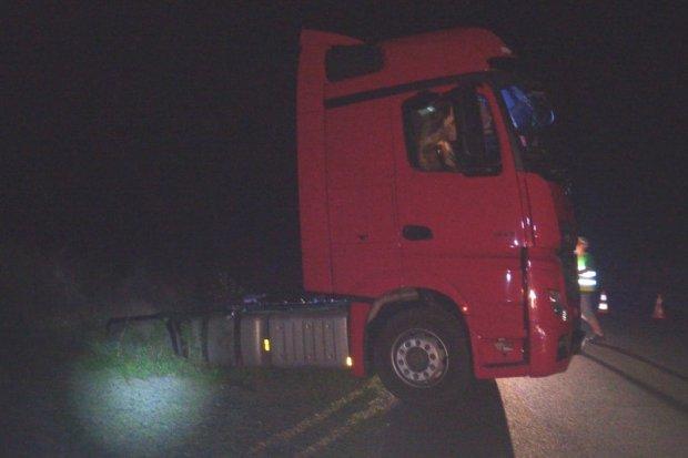 Małżeństwo zatrzymało w nocy kompletnie pijanego kierowcę ciężarówki